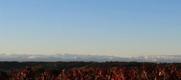 vue-sur-les-pyrenees-enneigees